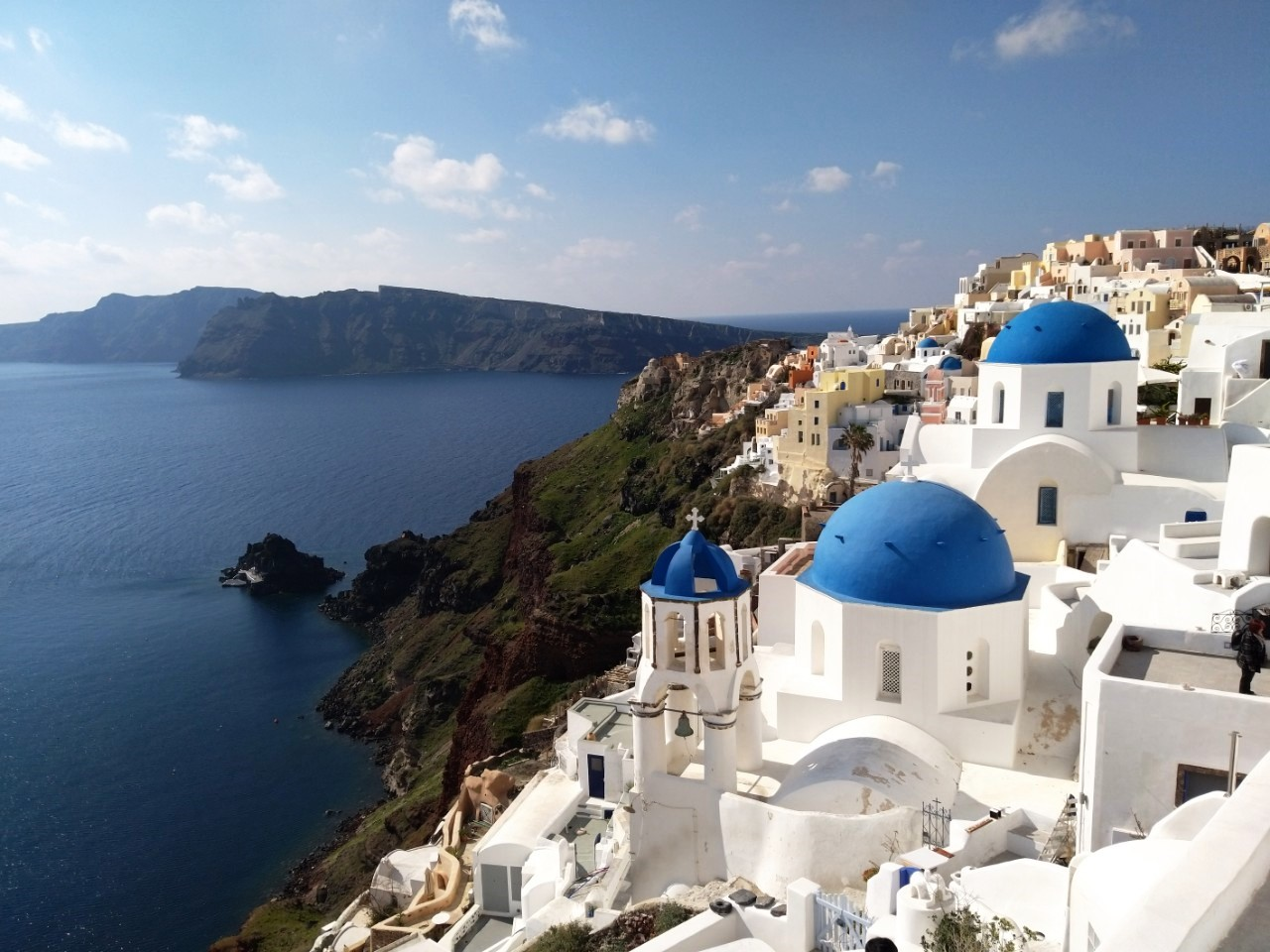 Mistakes Most Tourists Make in Santorini