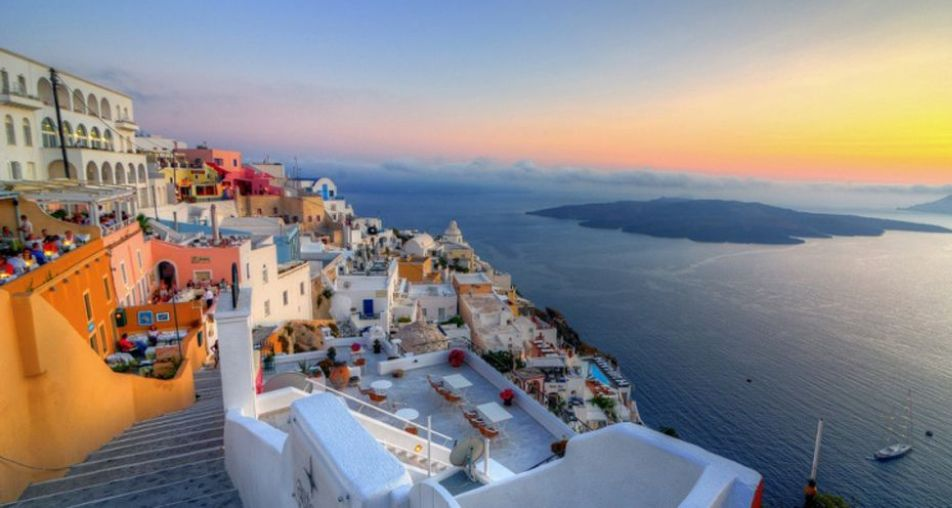 How to not spend a fortune on a rental car in Santorini